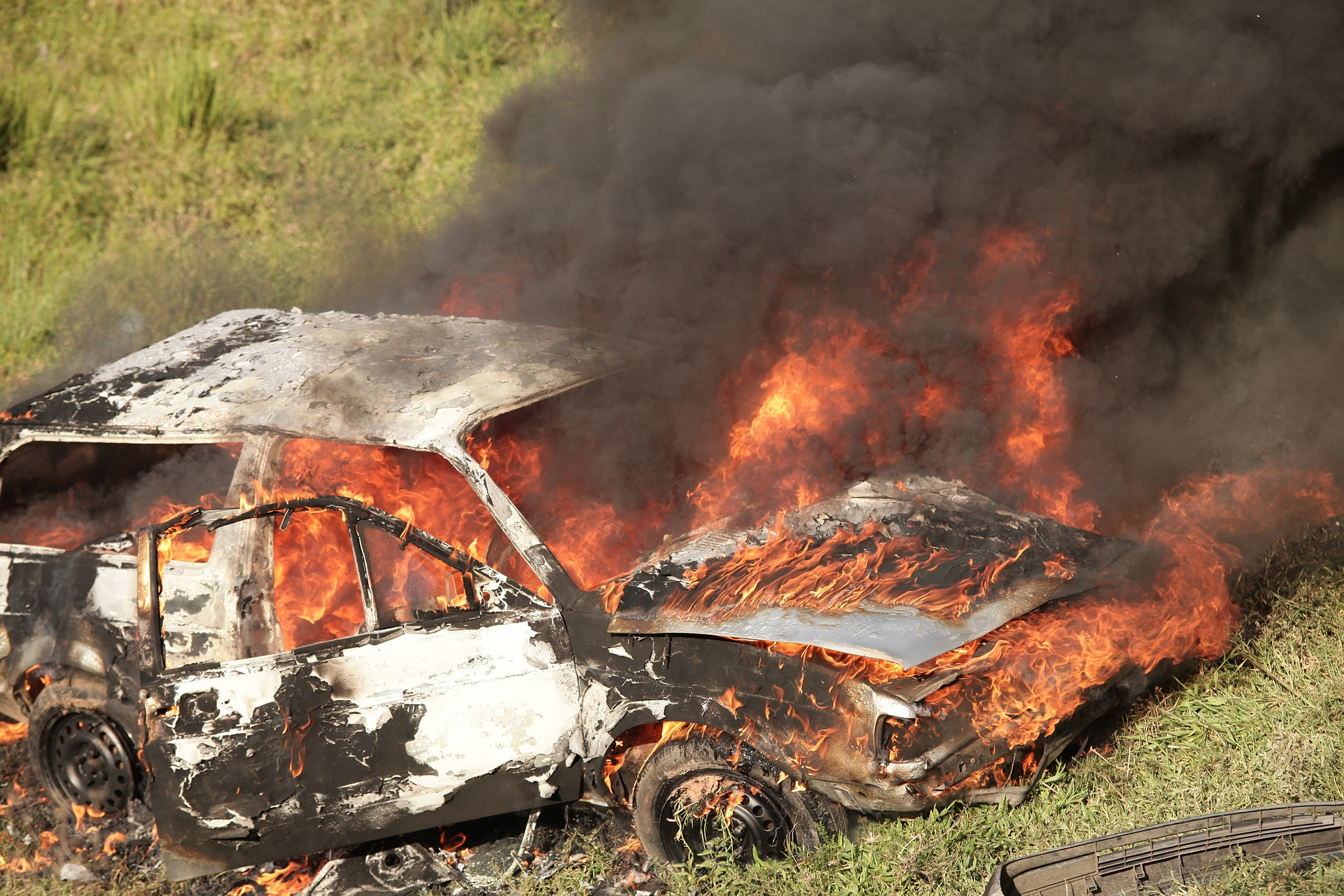The Car's on Fire: Tips for Reacting and Responding to a Vehicle Fire